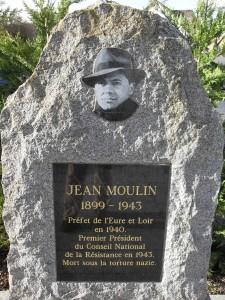 Monument_Jean-Moulin_Les_Clayes_sous_Bois_Djampa
