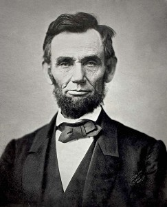 Abraham Lincoln, seizième président des États-Unis par Alexander Gardner (1863) Source : Librairie du Congrès