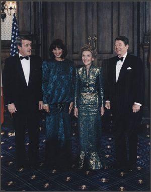 Les couples Mulroney et Reagan lors du «sommet irlandais» à Québec en 1985 Source : White House Photographic Office