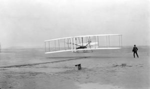 Le premier vol du Flyer Photo : John T. Daniels 1903