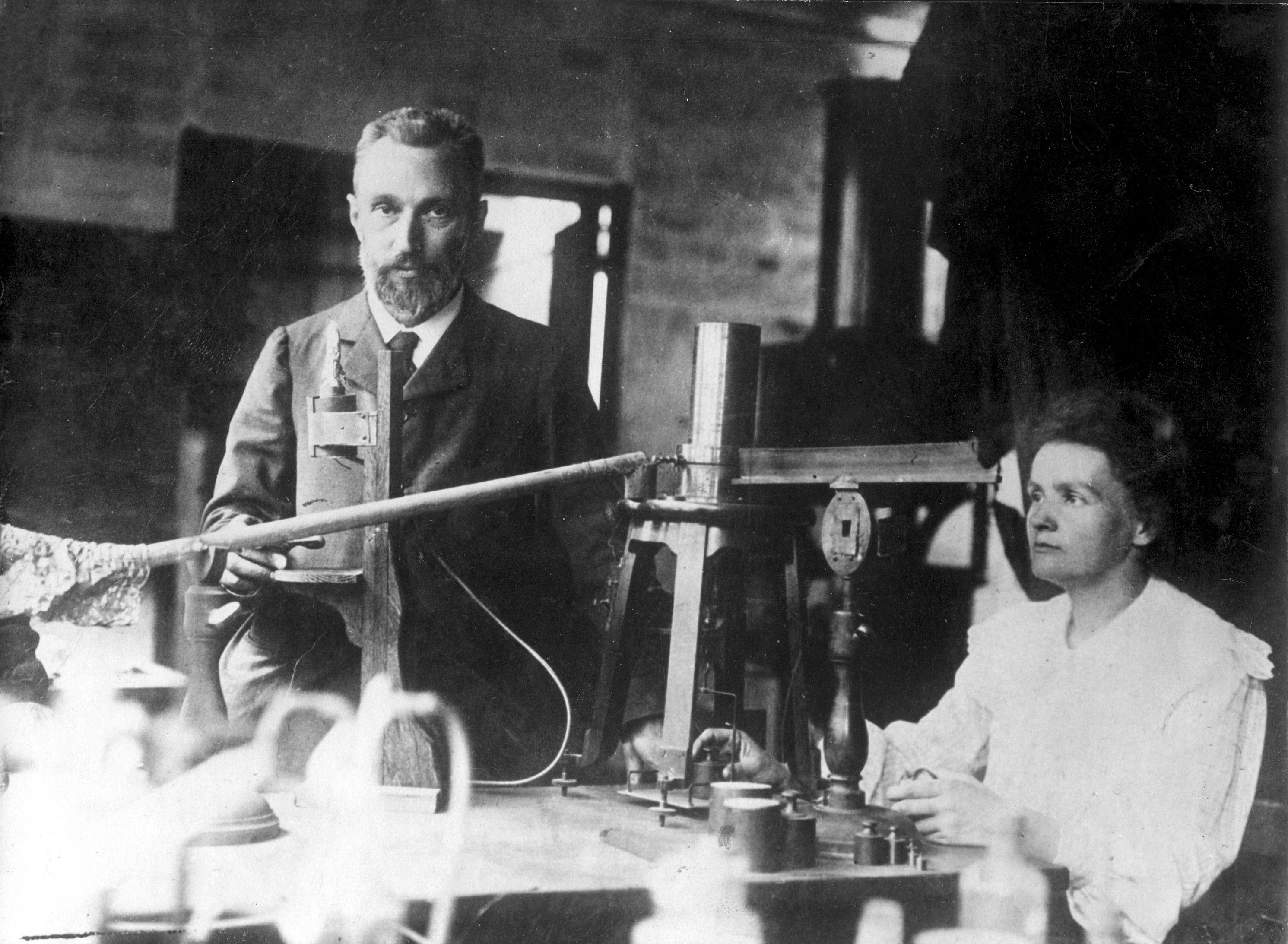 Pierre Et Marie Curie Arts Et Voyages