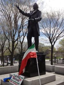 Célébrations de la Journée nationale des Patriotes au Monument Louis-Joseph Papineaau Photo : NelsonWeb (2014)
