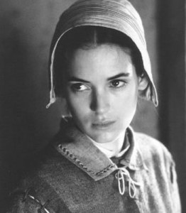 Wynona Ryder interprète Abigail Williams dans le film The Crucible tiré de la pièce écrite par Arthur Miller en 1953 Photo anonyme (1996) Source : pixgood.com