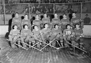 Montreal_Canadiens_hockey_team,_October_1942